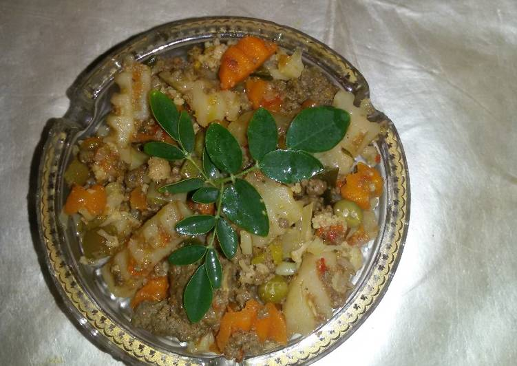 Recipe of Award-winning Veggies with mince meat