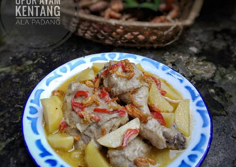 Opor Ayam Kentang ala Padang