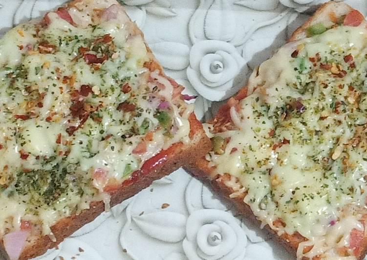 Easy and Delicious Bread pizza Recipe