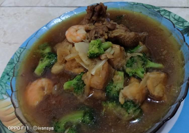 Ayam udang brokoli saus tiram