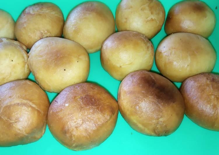 Resep Donat bomboloni rasa keju pedas Anti Gagal