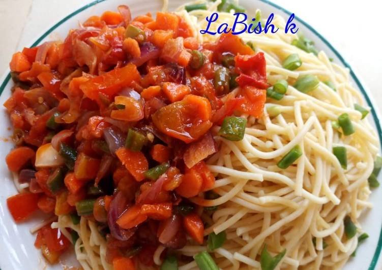 Pasta with simple sauce