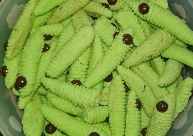Caterpilar kue ulat hijau
