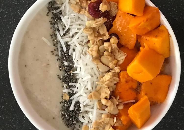 Cinnamon mango oatmeal bowl