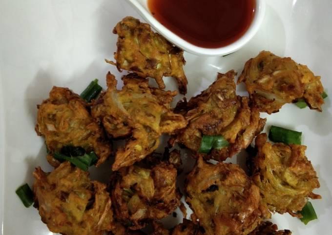 Cabbage bhajiya or pakoda