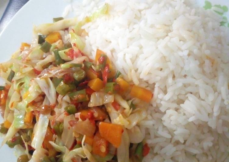 White Rice With Vegetables Sauce Recipe By Chef Kiki Cookpad