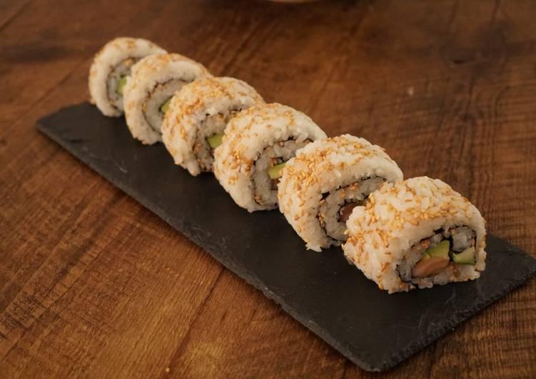 California Roll (Uramaki Sushi)