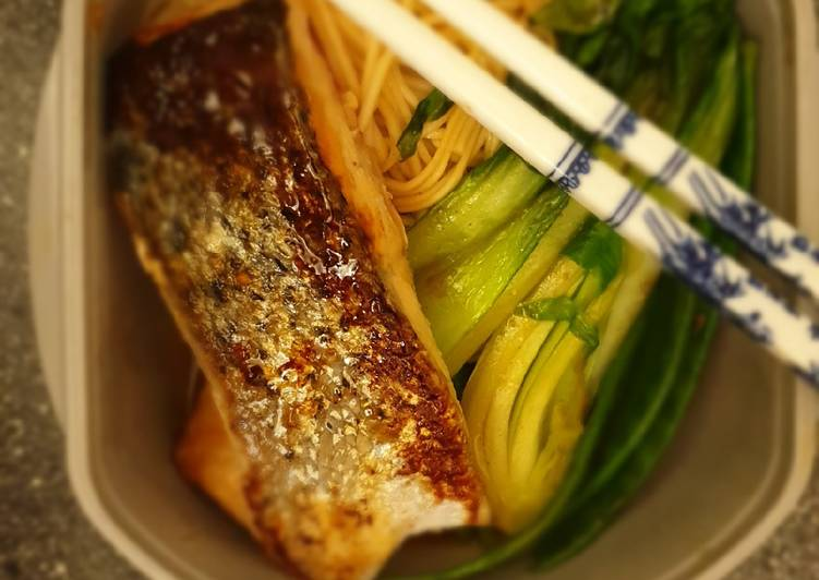 Easiest Way to Prepare Any-night-of-the-week Salmon Noodle Bowl