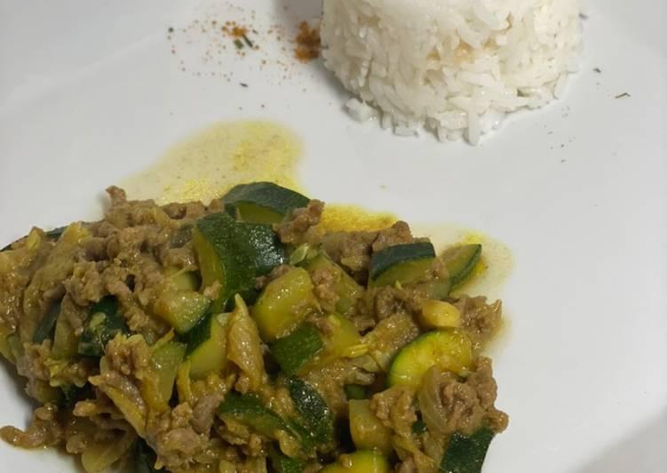 Recette Délicieux Courgettes bœuf au curry