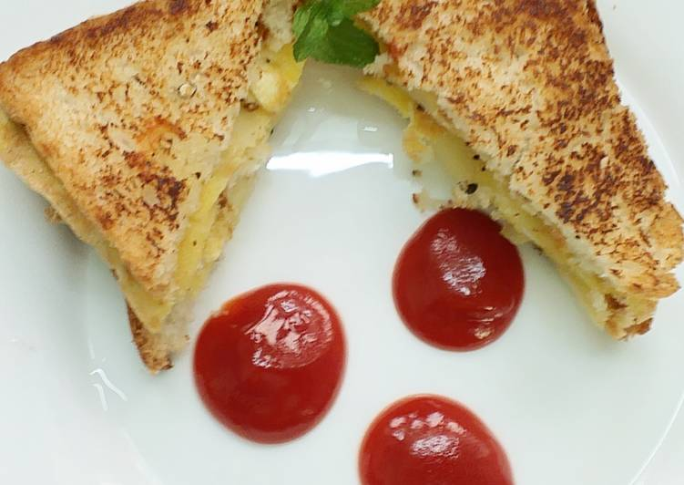 Having This 7 Superfoods Is A Cool Way And Be Healthy, Potato omelette Sandwich