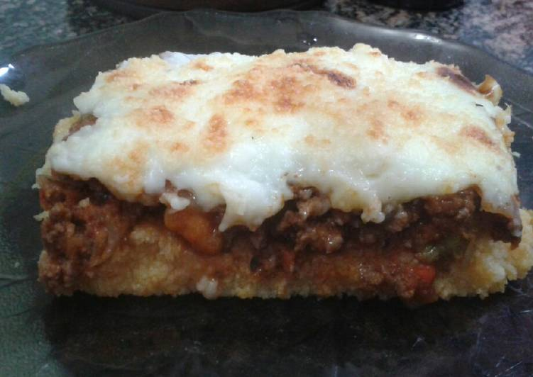 Idea: Tarta de polenta a la bolognesa a prueba de recalentadas!