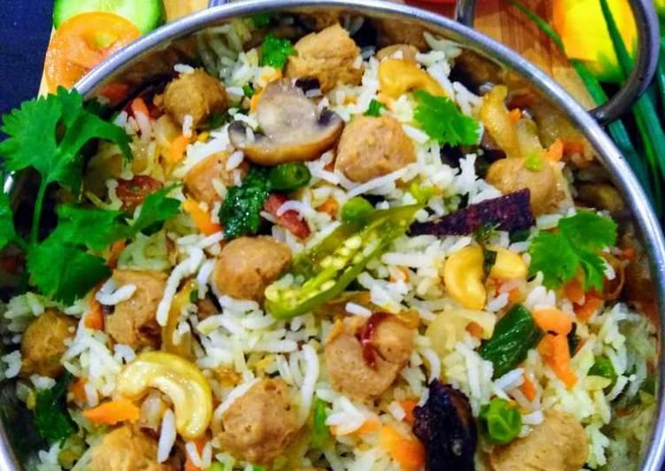 Soya Chunks- Mushroom-Peas Pulao