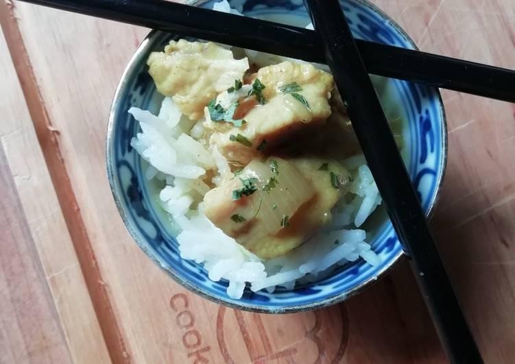 Curry-Kokosmilch-Hähnchenbrustfilet mit Basmati-Reis