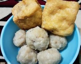 Bakso Ayam (tahu bakso, goreng bakso dll)