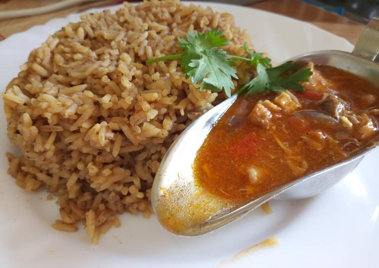 Pilau with chunky chicken soup