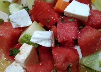 How to Prepare Delicious Watermelon Salad