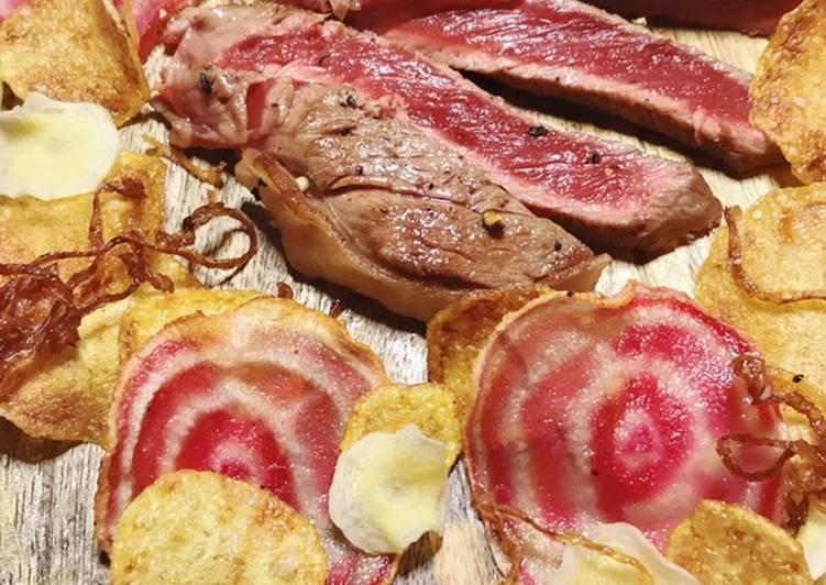 Tournedos Rossini et ses chips de légumes. Octobre rose