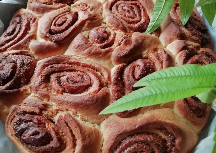Zimtschnecken-Kuchen (Cinnamon Rolls Cake) mit Karamell Sauce