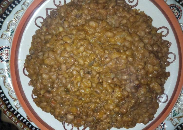 Brown beans porridge