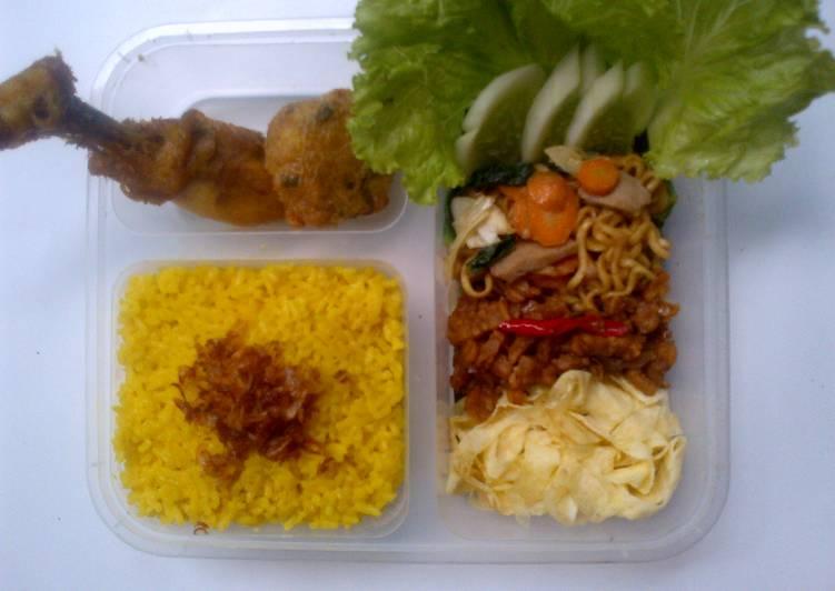 Nasi kuning urban cook (rasa bawang)