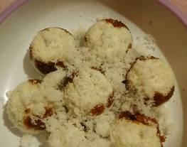 Kue Dongkal Mini/Kue Berkel (kue beras & kelapa isi gula merah)