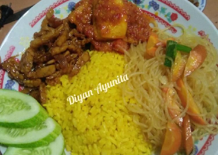Nasi kuning dari nasi sisa semalam