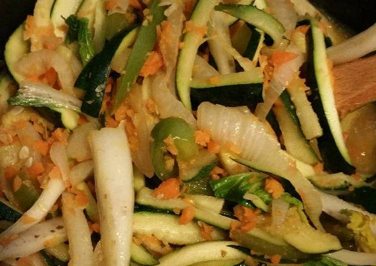 Recipe: Appetizing Paleo Teriyaki Stir-fry Zoodles