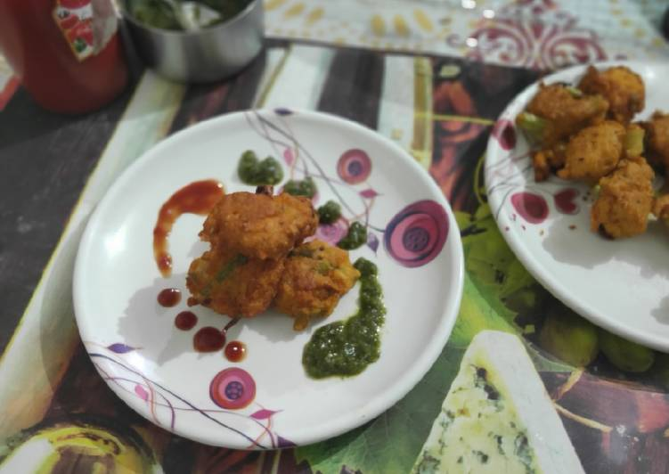10 Minute Recipe of Love Moong dal fritters