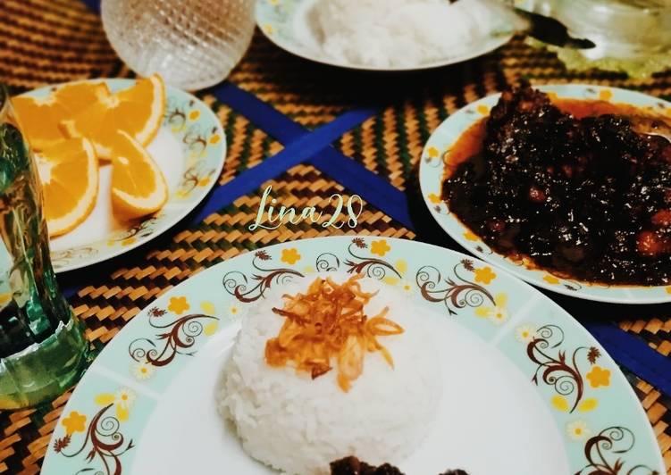 Nasi Putih Dan Ayam Masak Hitam #phopbylinimohd   #task1 - velavinkabakery.com