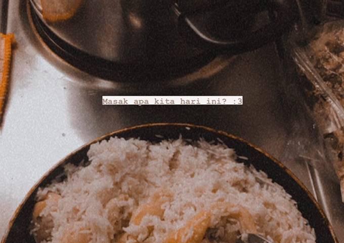 Nasi Hainan (Hainanese Chicken Rice)