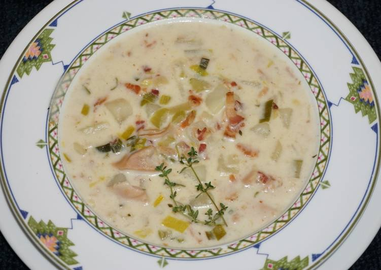 JON'S  CLAM CHOWDER