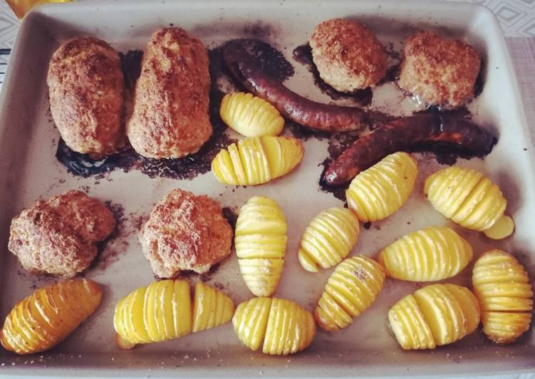 Bifteki mit Fächerkartoffeln