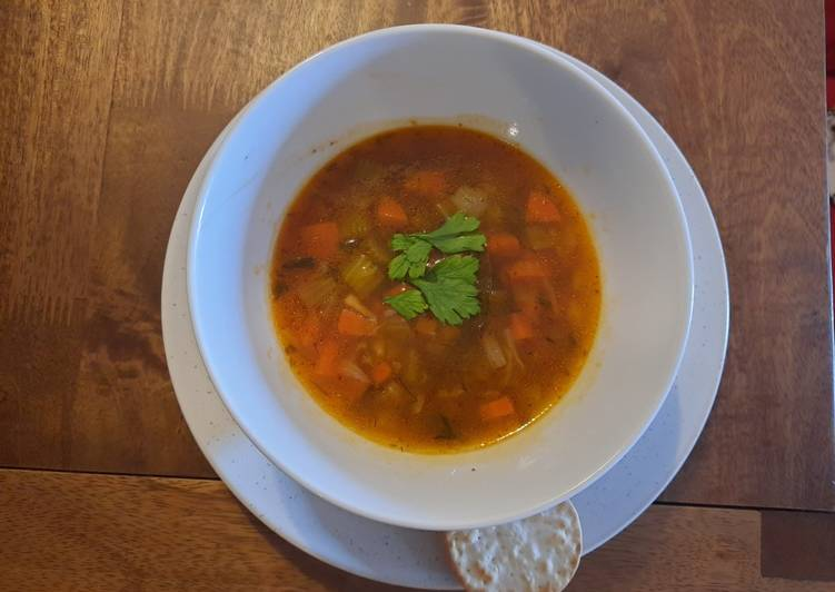 Quick veggie and barley soup