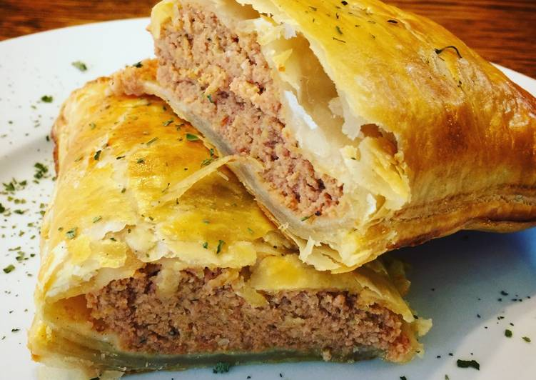 Recipe of Any-night-of-the-week Sausage in Puffed Pastry