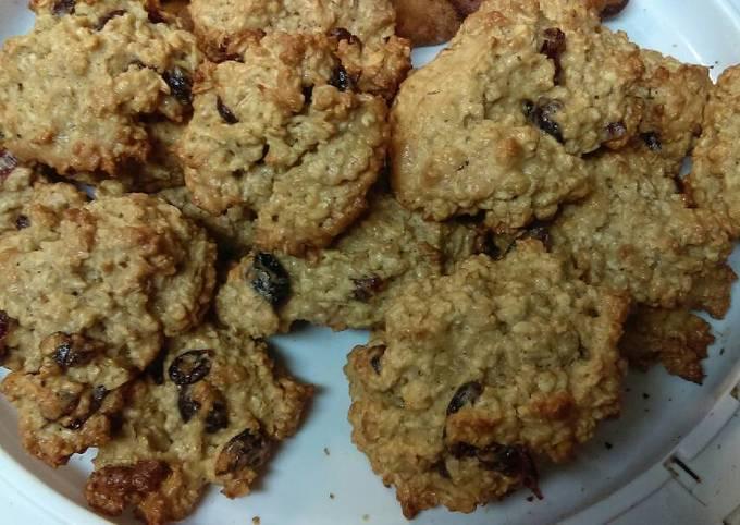 Secret to Baker Crunchy Oatmeal cranberry cookies