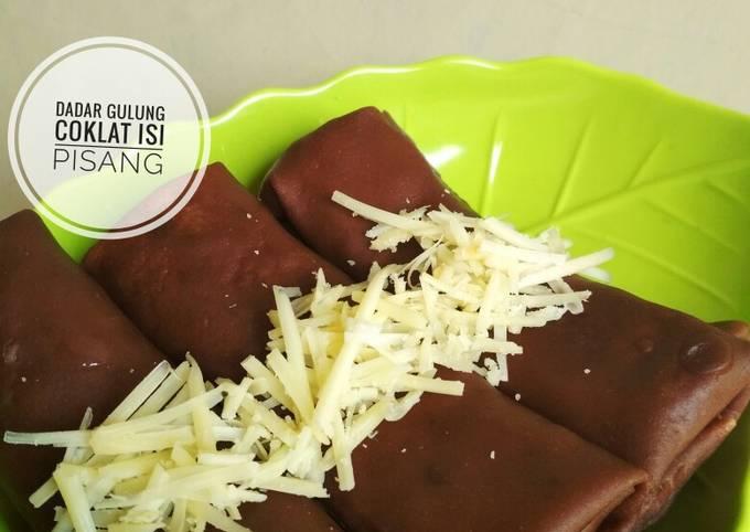 Resep Dadar Gulung Coklat Isi Pisang, Lezat Sekali
