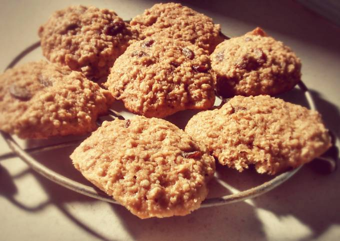 Easiest Way to Cook Delicious Oatmeal Raisin Cookies!