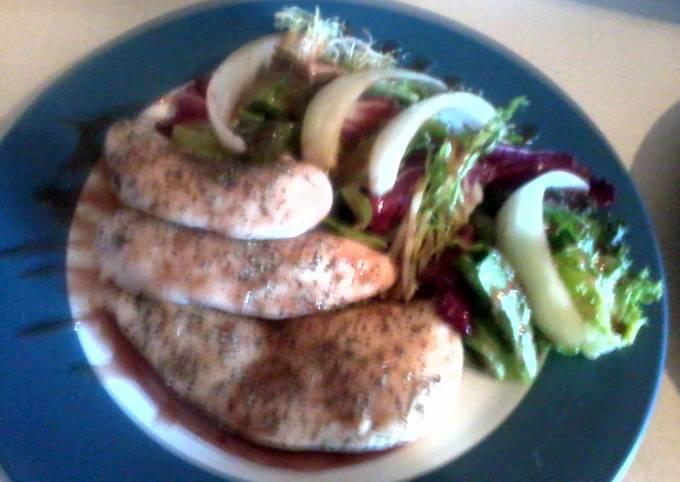 Red wine summer chicken salad