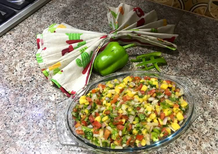 How to Prepare Favorite Mango Salsa Salad