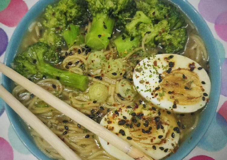 Miso Soup Con Brócoli Y Huevo Receta De Josemi Eatthegreen