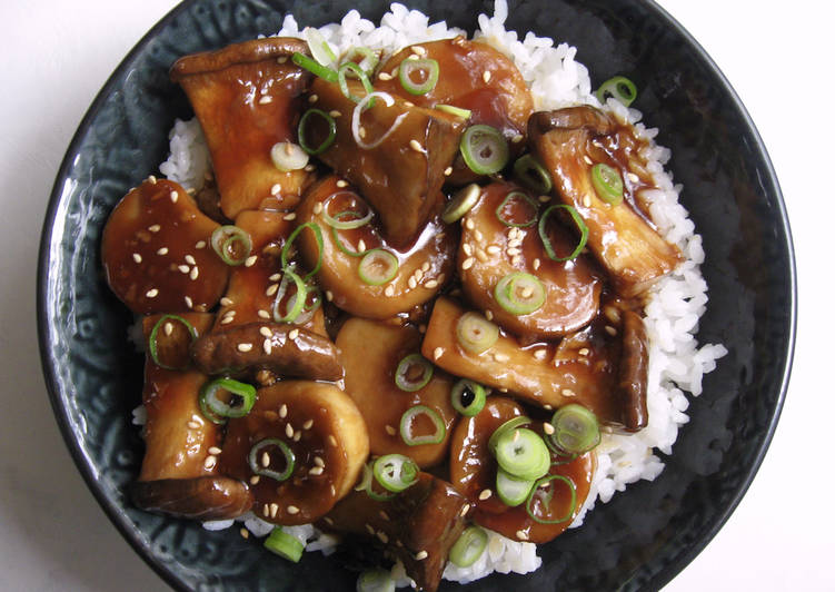 Eat These 14 Superfoods to Go Green for Great Health King Oyster Mushroom Rice Bowl