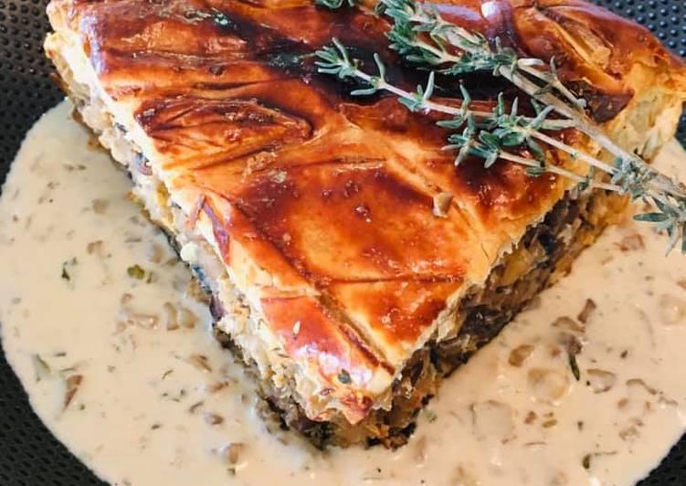 Velouté de Châtaignes et Champignons Tourte aux cuisses de Grenouilles