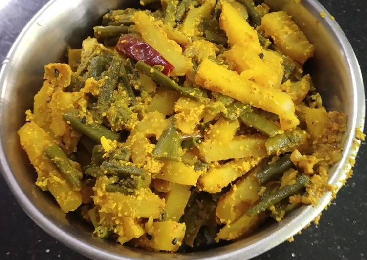 How to Make Any-night-of-the-week Borboti (pea bean)sabzi