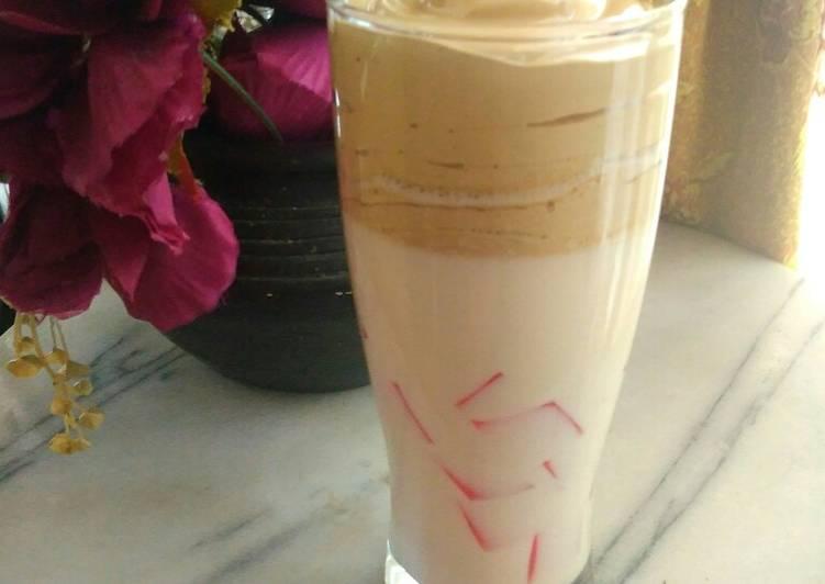 Dalgona coffee (fiber cream)