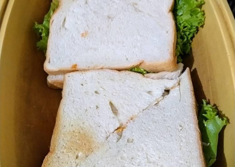 Sandwich dengan Burger Sapi