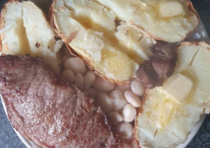 Sirloin Beef steak Jackets an Butter Beans