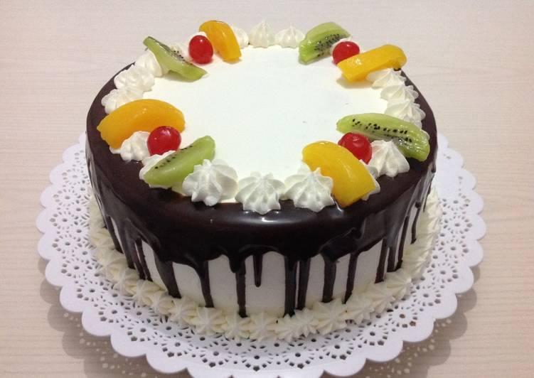 Torta De Chocolate Con Frutas Y Chantilly Receta De Haydee