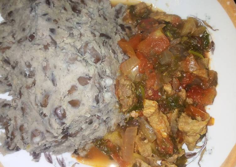 Black beans mokimo with beef stew