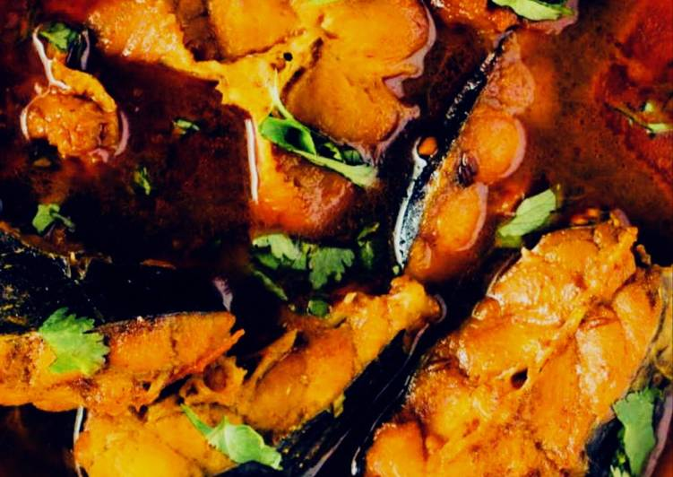 The Simple and Healthy Rui Macher Jhaal(Rohu Fish Curry)