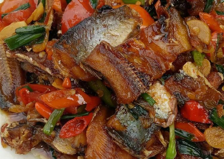 Resep Ikan Asin Kecap Pedas Oleh Siti Nurawaliah Cookpad